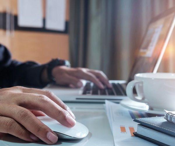 El Consejo General de la Abogacía Española habilita el registro telemático para que los Abogados podamos tramitar autorizaciones de residencia iniciales.
